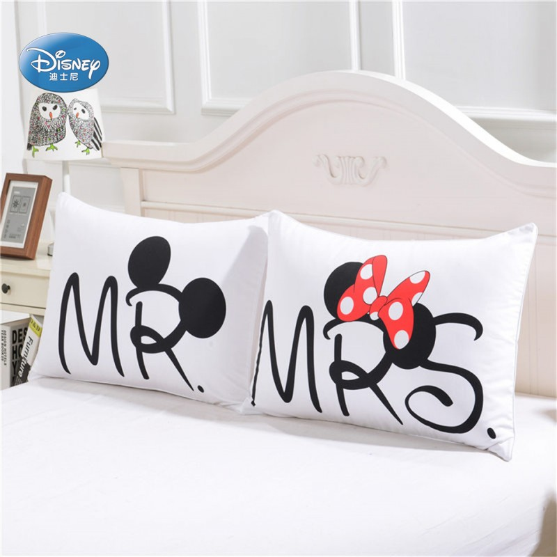 conew_minnie and mickey pillowcases (1)