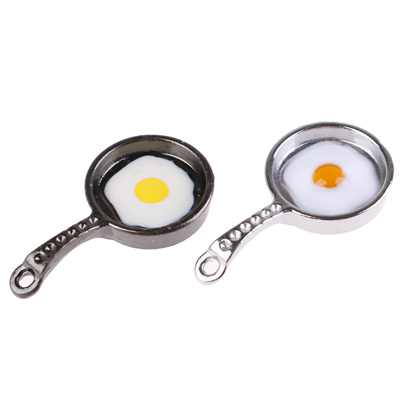 1//12 SCALE PLASTIC SKILLET WITH TWO FRIED EGGS DOLLHOUSE FURNITURE VERY CUTE