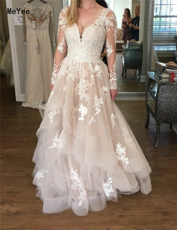 Long Sleeves Lace Wedding Dresses 2020 V Neck Backless Tiered Skirts Appliques Vestido De Noiva Boho Country Bridal Gowns