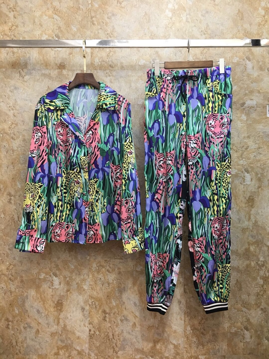 2019 Early autumn new female Lapel animal print pattern long sleeve jacket + printed trousers suit 725-in Women's Sets from Women's Clothing    1