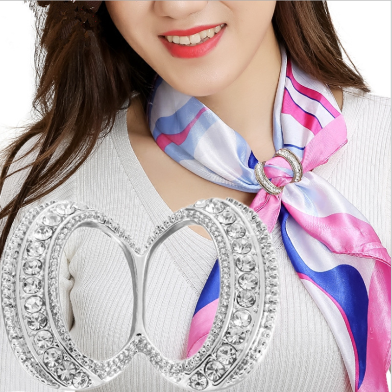 Fashion  Hollow Circle Rhinestone Brooch Shawl Clip Scarves Broche Circle Crystal Brooches For Women Gift Accessories Wholesale 5
