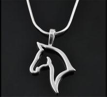 Moda bonito animal cavalo pingente colar para mulher elegante prata cor corrente roupas traje jóias acessórios atacado