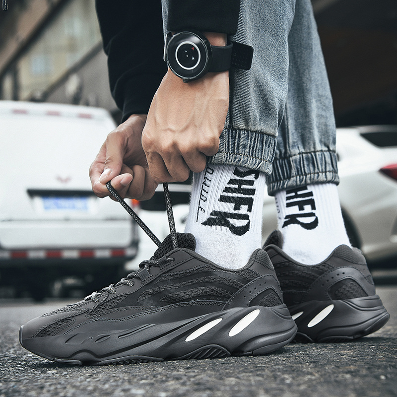 UBERU2020 New Couple Casual Sports Shoes Coconut 700V2 Dad Shoes Wild Increase Soft Bottom Men And Women Running Tide Shoes