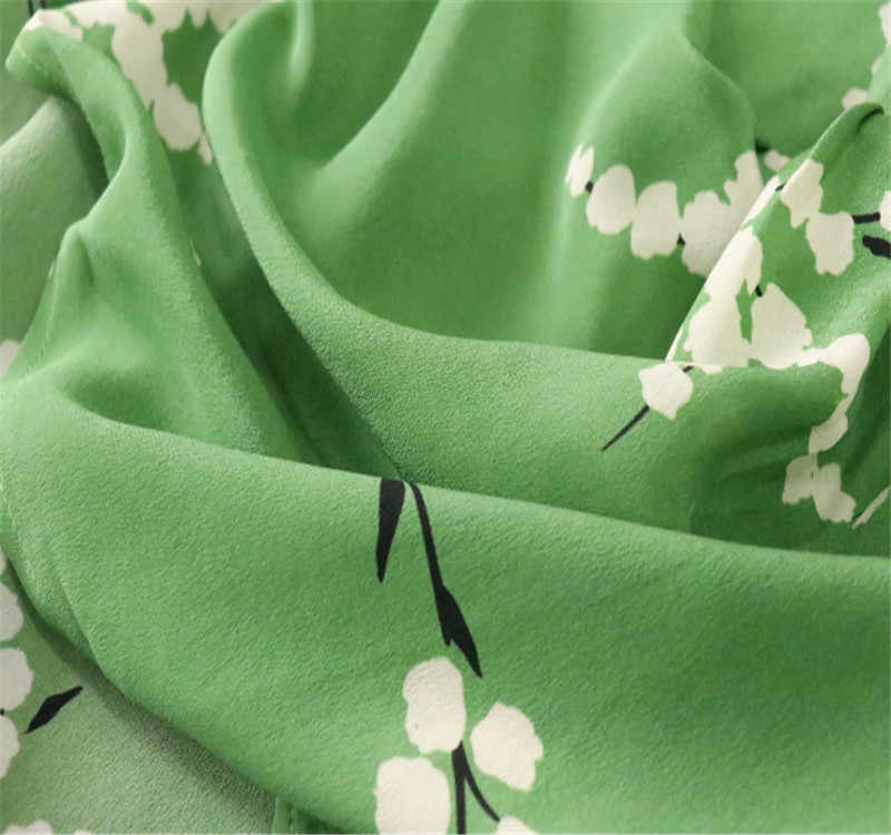 Fresh green printed silk wedding yarn