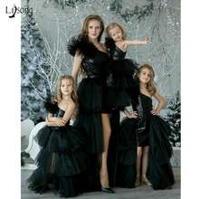 Черное сексуальное платье с блестками высоким низом для выпускного