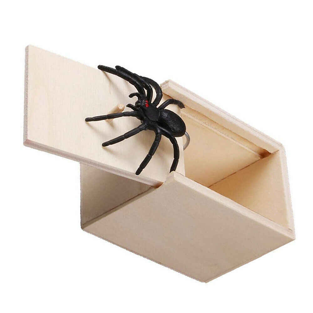 Wooden Prank Spider Scare Box Prank Toy April Fool's Day Spoof Funny Scare Small Wooden Box Home Office Scare Toy Funny Gift