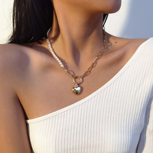 Retro Gold Color Heart Linked Chain Pendant Necklaces for Women Female Metal Simulated Pearl Asymmetric Chokers Necklace Jewelry