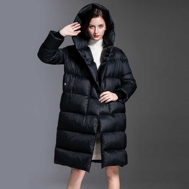 Europe winter oversize fluffy 95% duck   down     coat   female big pendulum over the knee thicker warm hooded duck   down   jacket F135
