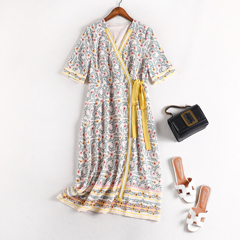 Lan Mu Square Fat Mm Western Style Floral Dress Summer Wear Ozhouzhan Large Size Dress Retro Lace-up V-neck Skirt 10576
