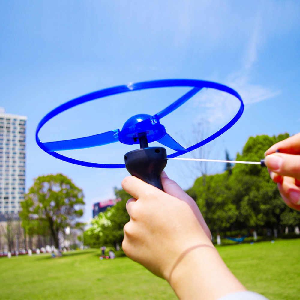 Anak-anak Piring Terbang Disc Mainan Lucu Warna-warni Menarik String UFO LED Light Up Piring Terbang Layang-layang Permainan Luar Ruangan Mainan Hadiah # BL5