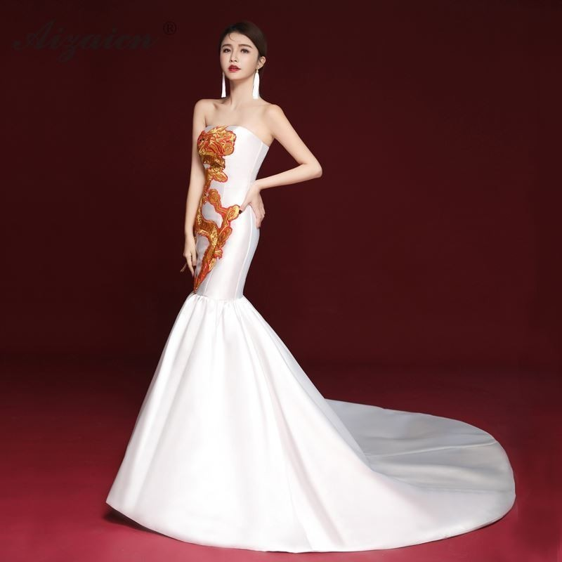 2019 White Embroidery Dragon Cheongsam Dress Long Elegant Chinese Evening Dresses Women Two Pieces Oriental Gown Fashion Show