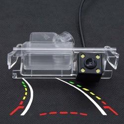 Dinamis Lintasan Trek Parkir Kamera Belakang untuk Kia K2 Rio Sedan Hatchback Ceed 2013 Hyundai Accent Solaris Verna 2014