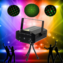 цена на Projector Lights Black Mini Red Green Light Auto / Voice Xmas DJ Disco LED Laser Stage Light Projector + Remote