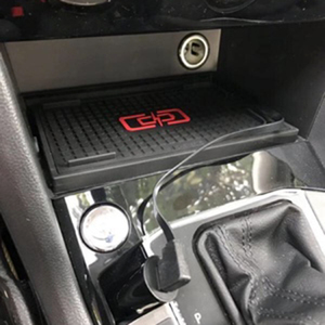 Image 3 - Voor Vw Tiguan MK2 Tiguan Allspace Tharu 2017 2018 2019 10W Auto Qi Draadloze Opladen Telefoon Oplader Opladen Plaat opladen Houder