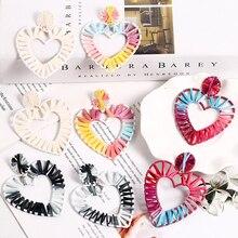 цены HOCOLE Geometric Earrings Statement Fashion Rainbow Colorful Big Heart Raffia Drop Earrings For Women Handmade Jewelry Wholesale