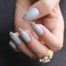 Gris Ombre français paillettes AB court Stiletto UV Gel nu faux ongles noir miroitant doigt rouge faux ongles pointe rose à la main(China)