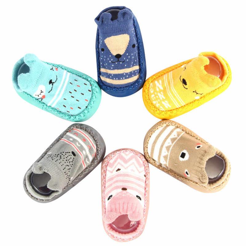 Moda calcetines de bebé con suelas de goma calcetín infantil recién nacido Otoño Invierno NIÑOS Calcetines de piso zapatos antideslizantes calcetín de suela suave