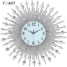 60 سنتيمتر ساعة حائط الماس الفاخرة الحديد الفن المعادن كريستال ثلاثية الأبعاد ساعة حائط كبيرة مضيئة ساعة مستديرة الماس معلقة الساعات ديكور المنزل