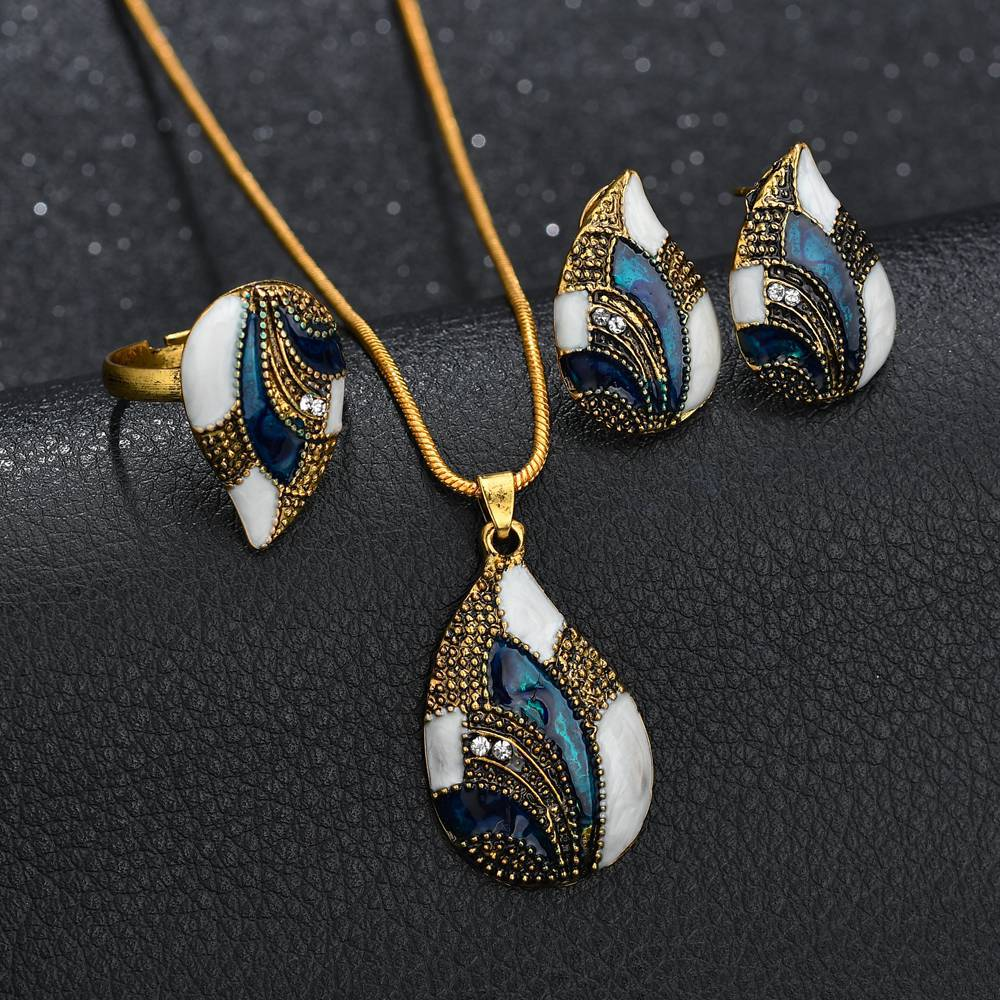 Vintage jewelry set exaggerated drop oil lady necklace stud ring three-piece jewelry set