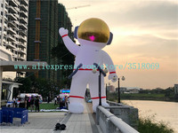 The 10 meter high cool white inflatable astronaut model is sold for advertising campaigns.