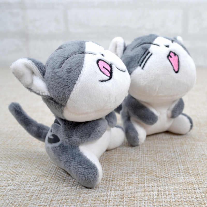 Kawaii kedi peluş doldurulmuş yavru anahtarlık oyuncaklar gri oturan 9CM hediye kolye yumuşak bebek peluş oyuncak çiçek kedi bebek hediye llavero