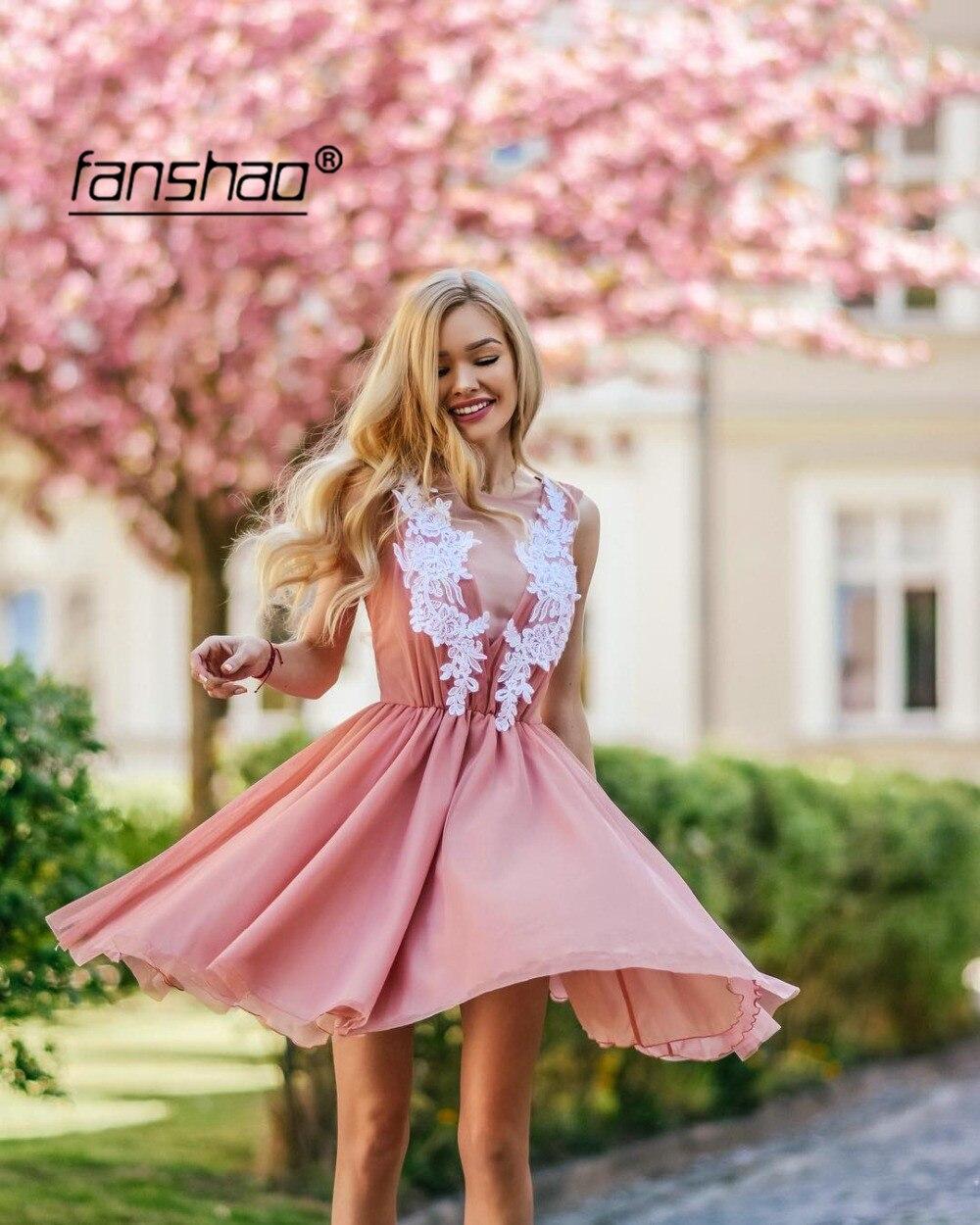 Peach V Cap Sleeve Elegant Homecoming Dresses Applique Plus Size  Short Mini Tulle Lace Beaded Party Plus Size Cocktail Dresses