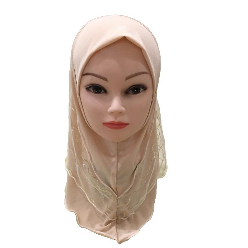 Image 3 - 2019 г. Мусульманский красивый хиджаб для девочек, исламский шарф  в арабском стиле, шали с цветочным узором, платок, Детские шали,  головные уборы, шапки AmiraМусульманская одежда