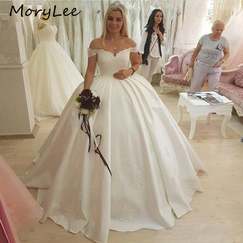Ball Gown Wedding Dresses Covered Button Back Off The Shoulder Floor Length Lace Applique Crystal Wedding Dress Vestido De Noiva