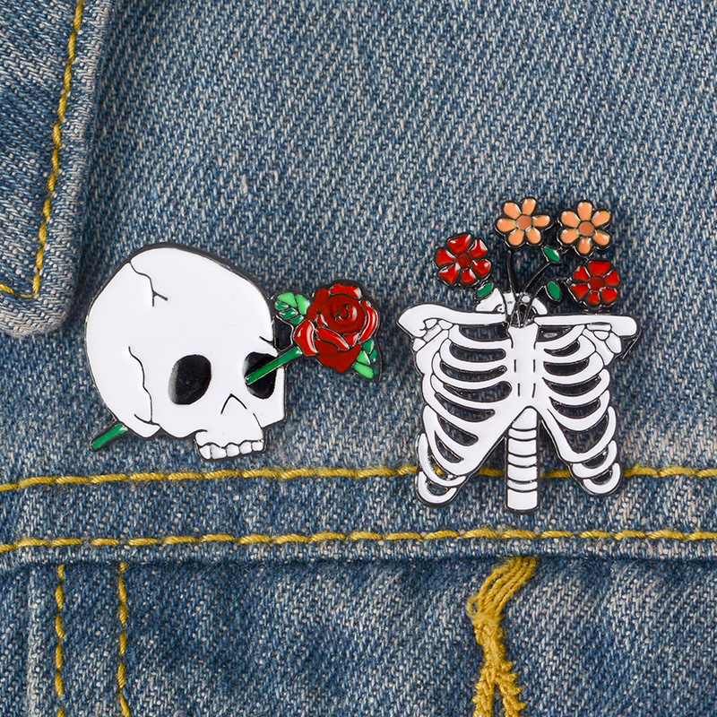 Skull Rose Flower Jeans Brooch Enamel Pins Metal Broches for Men Women Badge Pines Metalicos Clothes  Brosche Kpop Accessories