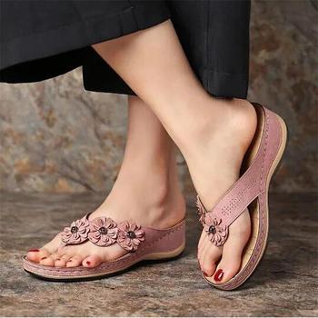 Damskie sandały na koturnach 2020 uroczy kwiat sandały buty damskie plażowe klapki damskie damskie sandały damskie Lady Casual slajdy tanie i dobre opinie Litthing Med (3 cm-5 cm) 3-5 cm Pasuje prawda na wymiar weź swój normalny rozmiar 101400 FLIP FLOPS Płytkie Kwiatowy