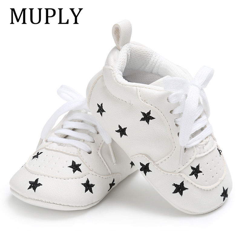 2020 Baby Schuhe Für Neugeborene Baby Jungen Mädchen Druck Herz Stern Muster Erste Wanderer Kinder Kleinkinder Weiche Sohle PU Turnschuhe für 0-18M