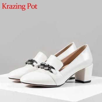 Krazing pot 2020 new cow leather comfortable shoes round toe high heels metal chain young lady leisure spring daily pumps L71