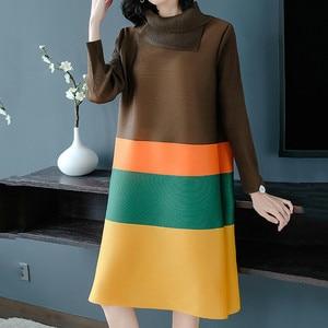 Image 2 - Lanrmem 2020 春夏のファッション新プリーツの服長袖タートルネック弾性コントラスト色ドレス YH295