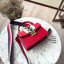Crossbodyกระเป๋าผู้หญิง2019กระเป๋าถือหรูผู้หญิงออกแบบกระเป๋าหนังกระเป๋าสะพายแฟชั่นหญิงเพชรToteสีแดง