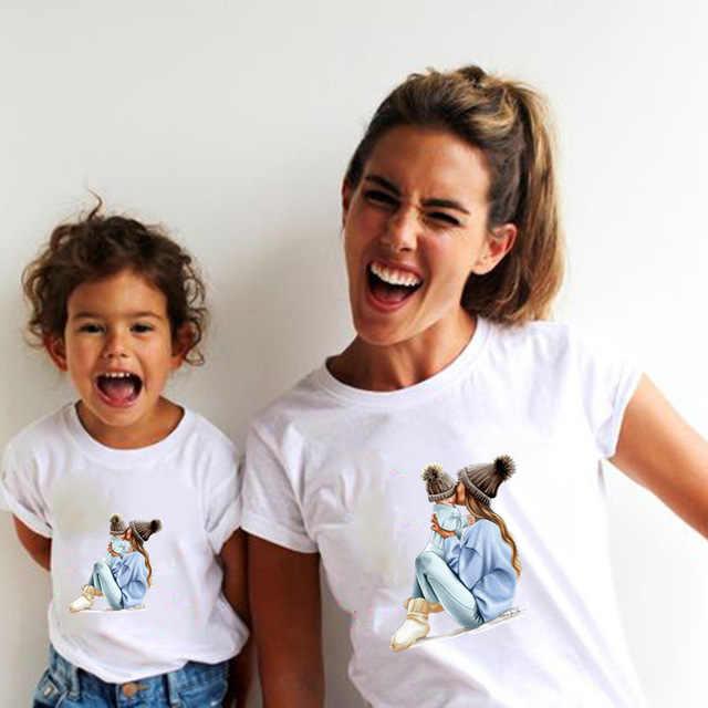 Estate Famiglia Vestiti di Corrispondenza Mommy and Me Maglietta Madre Figlia Femmina Figlio Abiti Le Donne Mamma T-shirt Del Bambino Della Ragazza Dei Ragazzi T shirt vestiti