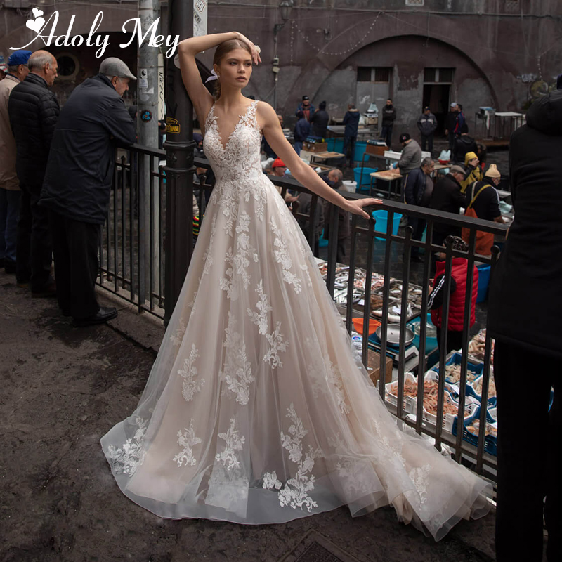 Adoly Mey Design Sexy V-Neck Backless Bride A-Line Wedding Dress 2020 Gorgeous Court Train Appliques Tulle Vintage Wedding Gown