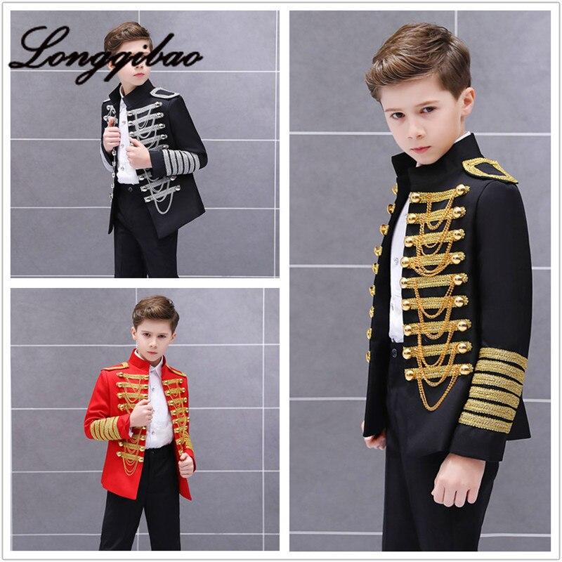 meninos estilo europeu e americano palacio principe traje palco vestido de uniforme militar menino europeu guardas
