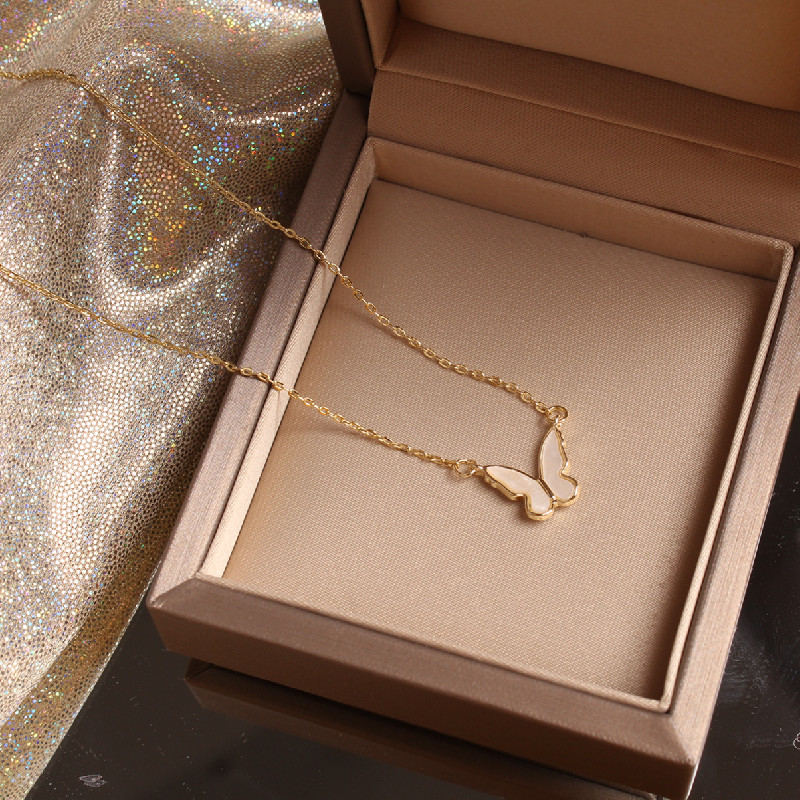 2020 Korea Hot Selling Fashion Jewelry Small and Cute Shell Butterfly Necklace Elegant Female Clavicle Necklace