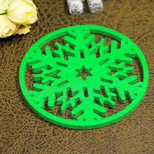 Get more info on the P10 pc Christmas Insulation Mat Snowflake Coasters Non-woven Place Mat  Merry Christmas Decorations Cup Pad Dinner Party Home CM