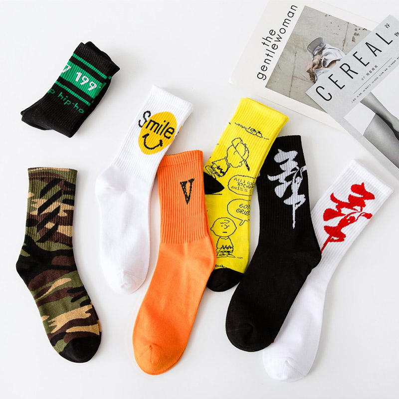 Fashion Letter Harajuku Hip Hop Socks Men And Women Long Cartoon Socks Hiphop Street Sport Casual Sox Long Skateboard Socks