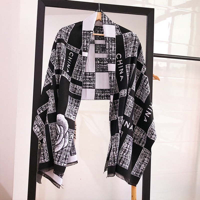 European And American  Letter Scarf Women бандана Soft Printed Plaid Cashmere Scarf Fashion Warm Long Shawl Travel Scarf Women