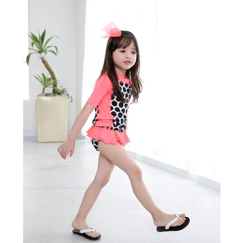 Chinlon Children Half-sleeve Shirt Bathing Suit Split Girls Sun-resistant Swimwear Red Polka Dot Baby Swimwear Manufacturers Who