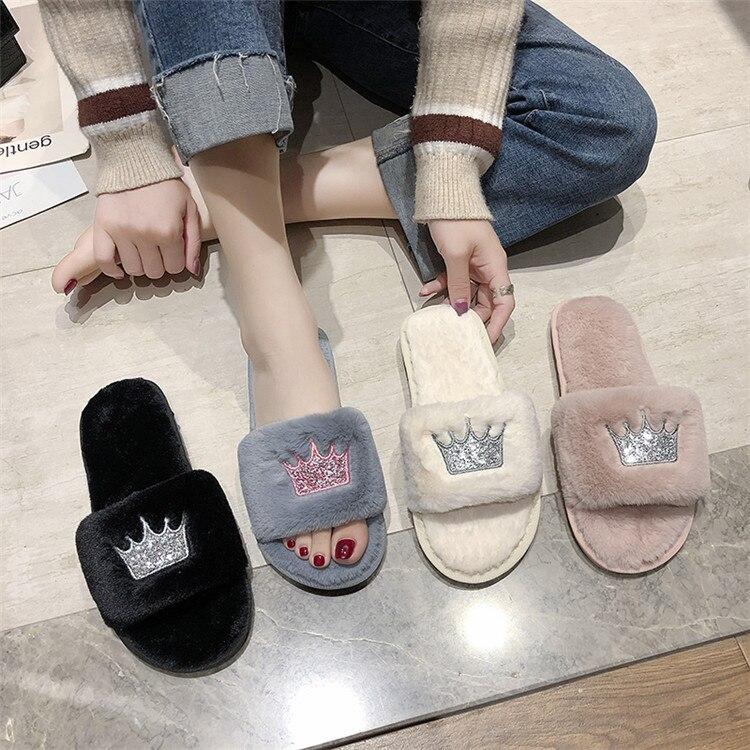 Hadc8debc45964f058147e7b848e9cc3c4 Mulheres chinelos de pele de inverno de pelúcia quente plana indoor sapatos moda feminina padrão coroa casa rosa chinelos macios slides