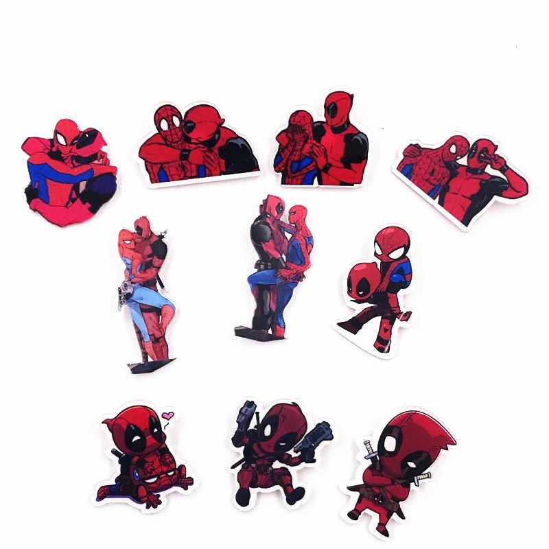 1Pcs Super hero Deadpool Marvel Avengers Spiderman Dos Desenhos Animados Acrílico Broches Emblemas Mochila pinos de Roupa Dos Miúdos meninos homens presente