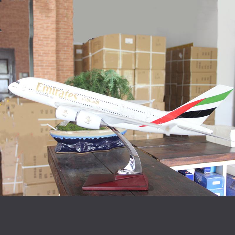 70CM Airbus A380 Emirates Airlines modèle d'avion modèle d'avion moulé sous pression en plastique résine avion grands jouets affichage à collectionner