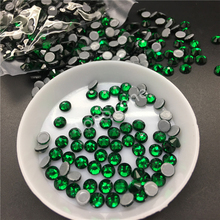 AAAAA Top Quality SS3~SS30 Emerald Color Hot Fix Stone Flatback Iron On Hotfix Strass Rhinestone for Dress Making