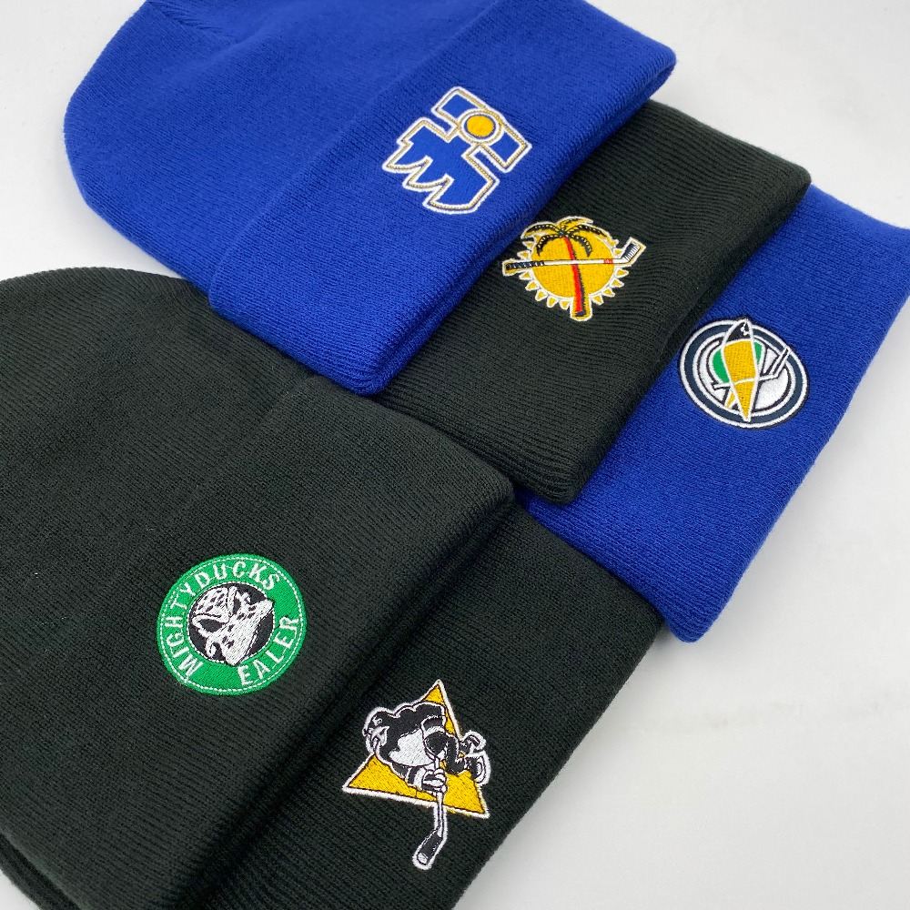 Han Duck Winter knitted hockey fans hat with an embroidery logo black and blue high quality