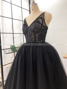 Image 5 - Vintage Lace 1950s Black Ball Gown Prom Dresses 2021 Sexy V Neck Illusion Puffy Tulle Tea Length Evening Gowns Girls Party Dress