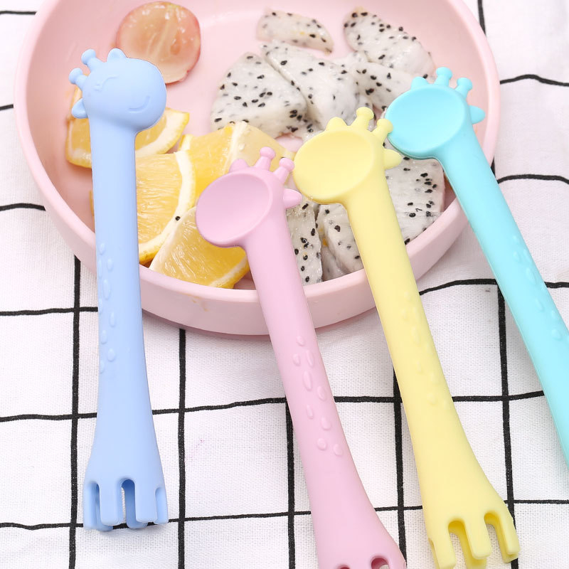 4 Color Baby Silicone Spoon Baby Children Tableware Feeding Spoon Baby Supplementary Food Cartoon Silicone Giraffe Fork Spoon