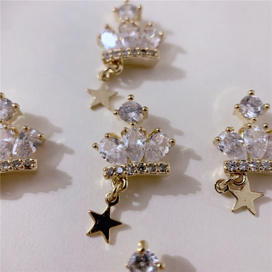 5pcs Luxury TN3768 Crown alloy Zircon Nail Art Crystals Rhinestones decor jewelry supplies nails accessories decorations charms